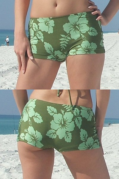 so adorable 6 ways to wear a classic regular triangle bikini top. Bikini top with a high-waisted skirt - perfect summer outfit! Find this Pin and more on Bikinis & Short Shorts by Lindsay Stevens. When I can wear a bikini this summer, I'll be sure to try all of these.